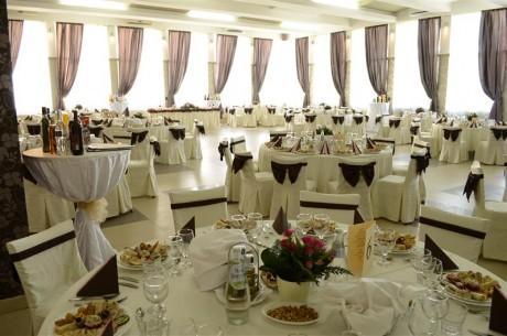 Servicii resurse umane in sectoarele de activitate – restaurant si evenimente